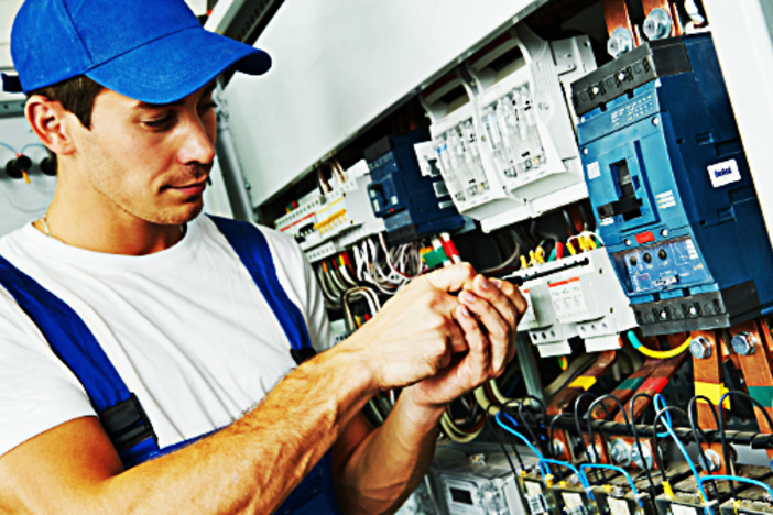 How To Rent A Good Electrician?