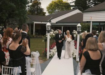 Great Tips to Plan A Lavish Wedding in Your Backyard!