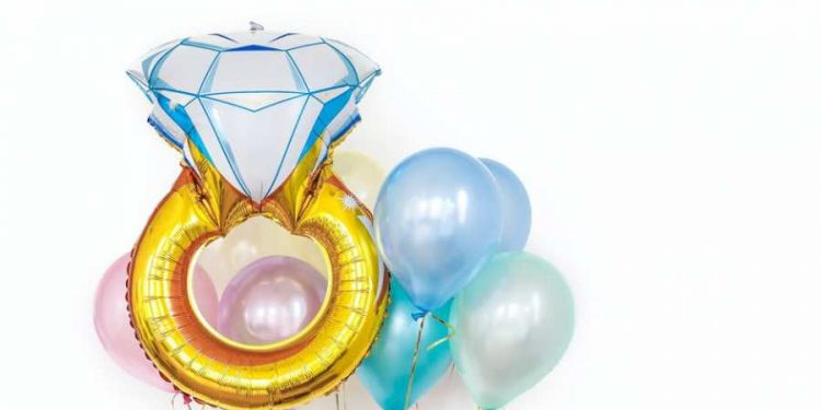 Diamond Jubilee: 5 Special Ways to Mark the 60th Year of Your Parents' Marriage
