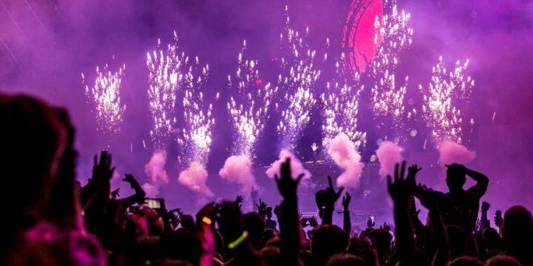 16 Fireworks Safety Tips to Have a Safe Celebration