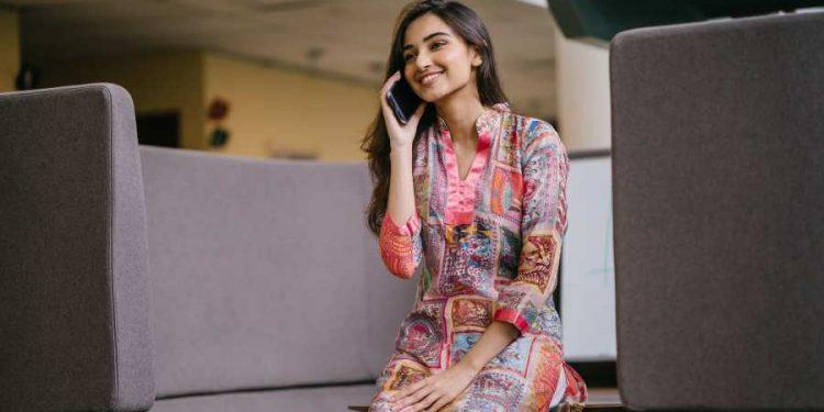 4 Advantages Buy Unstitched Salwar Suits