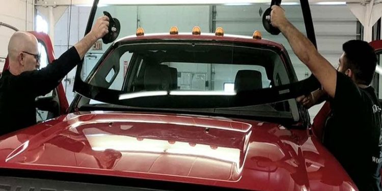 Top 5 Tips for Choosing a Quality Windshield Replacement Service