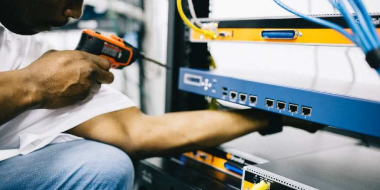 What's in A Perfect Electrician's Toolbox?