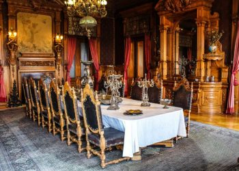 How to Create a Royal Dining Room